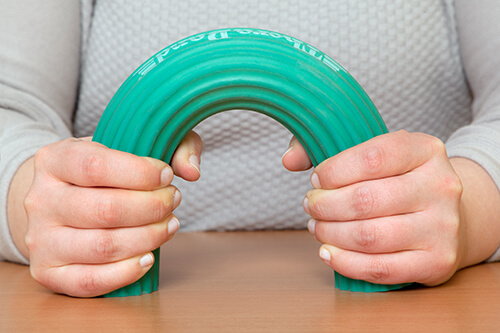 Orthopädische Übung für die Hände